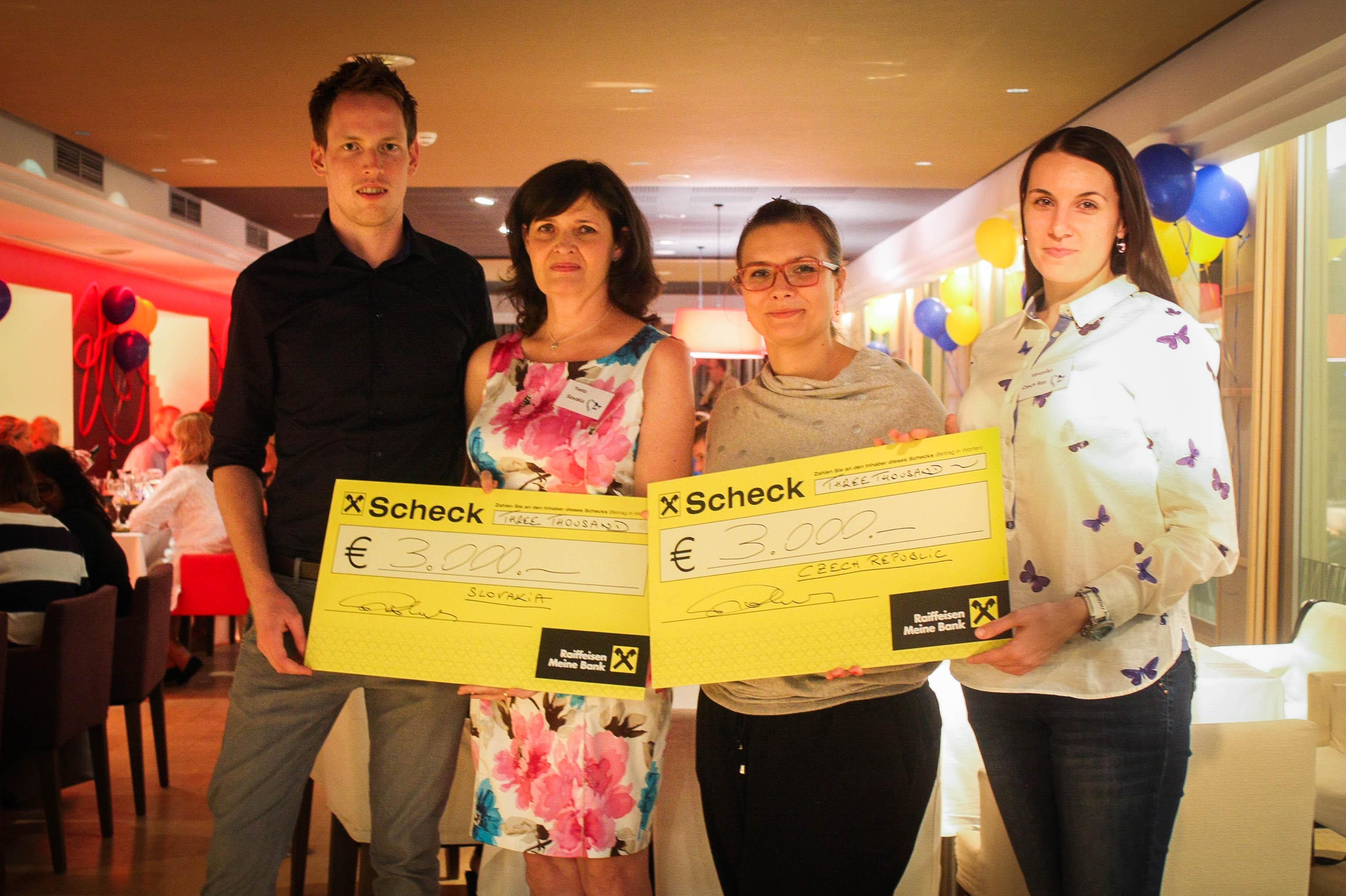 Przedstawiciele Organizacji Ze Słowacji I Czech III Nagroda Za Najlepiej Zorganizowany Światowy Dzień NP 2015